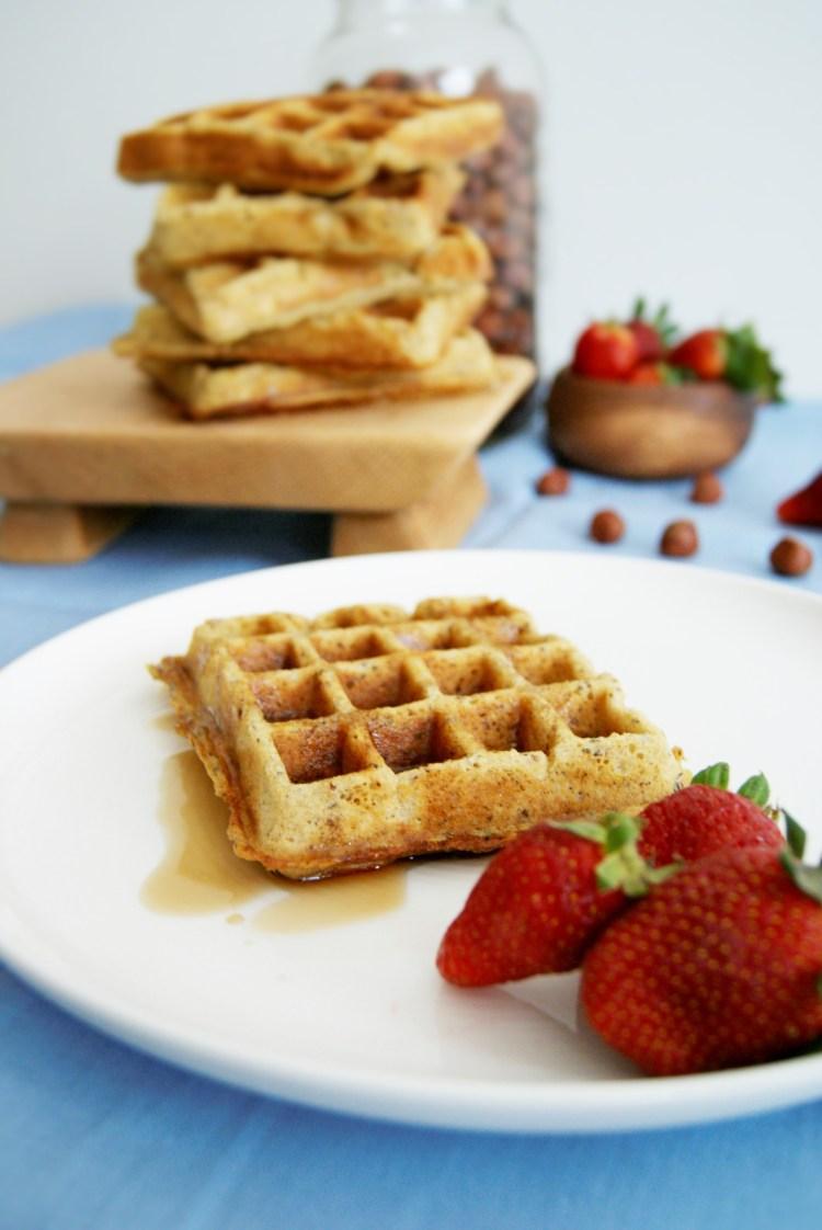 Waffles de avellana, naranja y chía