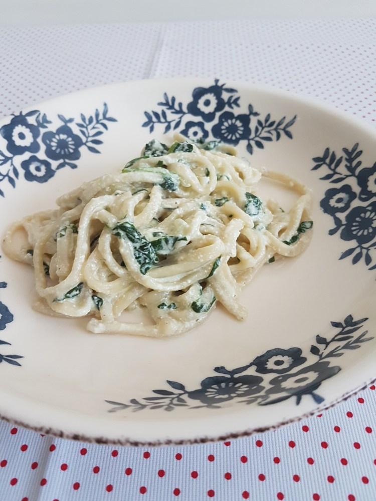 Spaguetti en salsa de espinaca y ricota