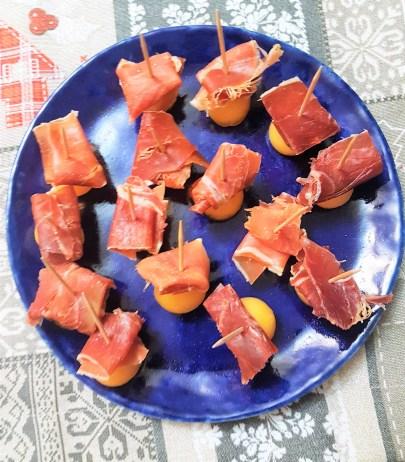 Brochetas de melón con prosciutto