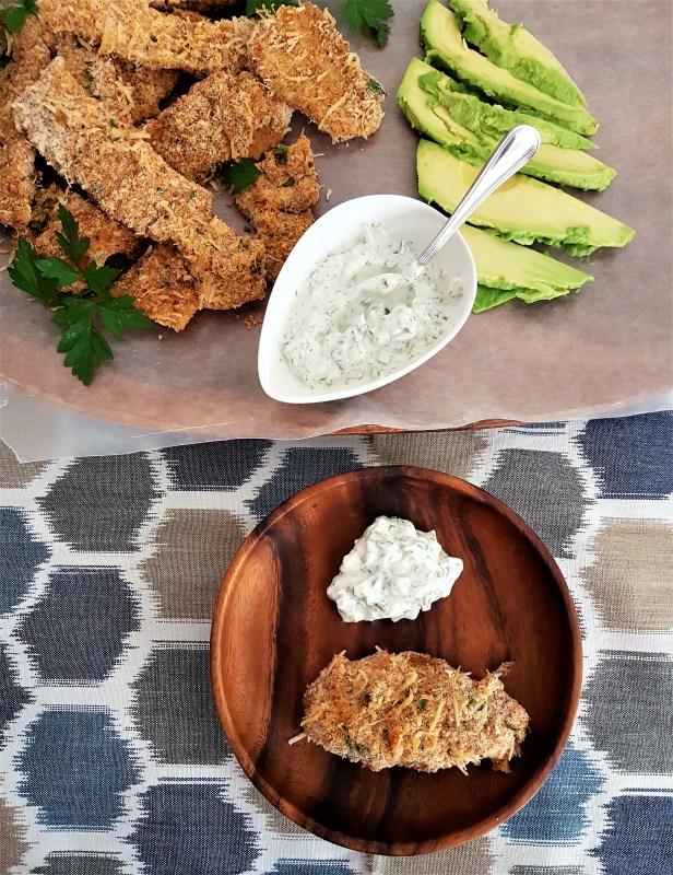 Deditos de pescado con salsa tártara (2).jpg
