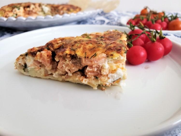 Fritata de salmón, queso de cabra y espinaca