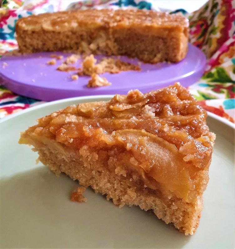 Volteado de manzana con miel de maple a la canela