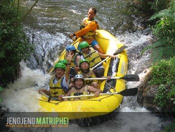 Rafting di Sungai Palayangan