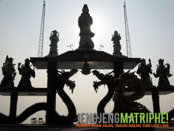 Gerbang laut Sanggar Agung