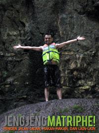 Di atas Batu Payung sebelum meloncat