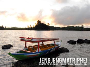 Perahu sewaan di Situ Patengan