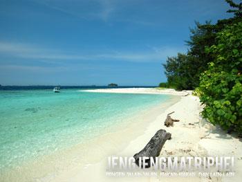Pantai Pulau Bira Kecil