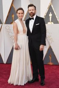 Olivia Wilde e Jason Sudeikis, vestido por Valentino Haute Couture.