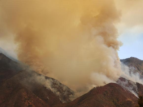 Smoke from the KNP Complex Fire on 9/11/2021