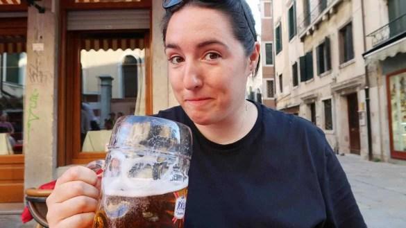 lesbian blogger