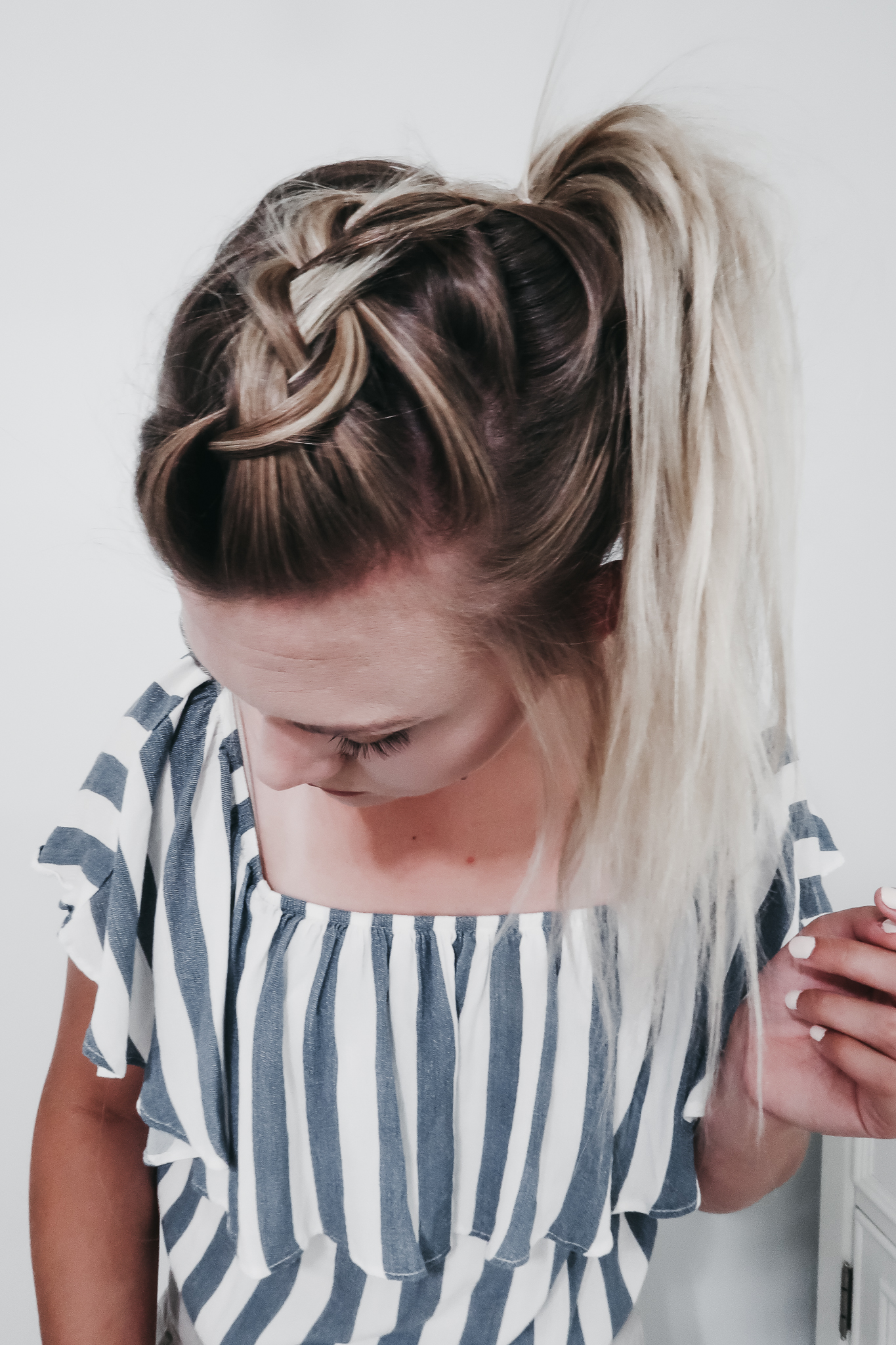 The Practically Effortless Ponytail 1