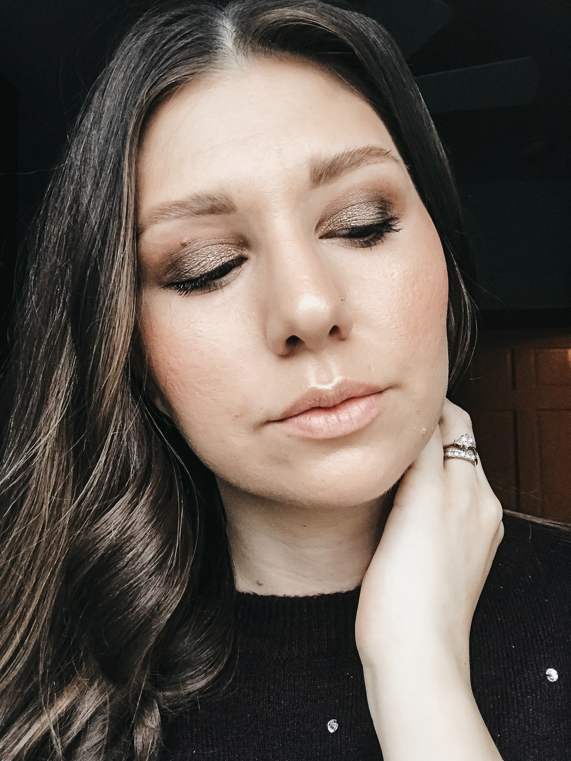 New Year's Eve Glowy Glam Makeup Look 3