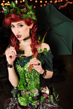 GC-Chan Cosplay as Poison Ivy