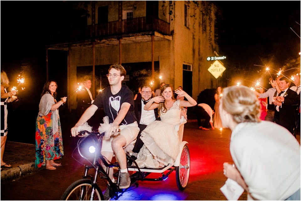 Mobile Outdoor Wedding Photographer