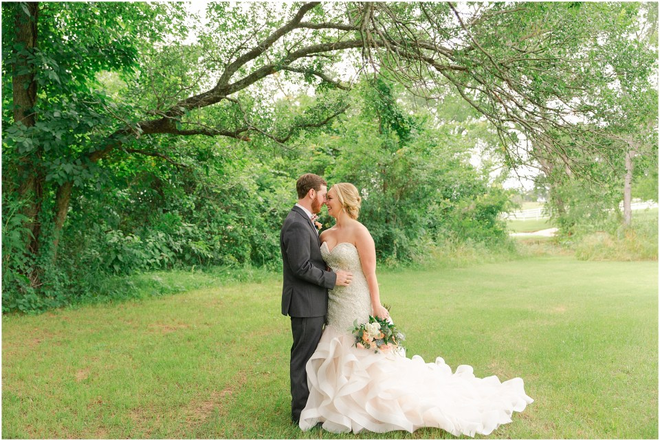 barn wedding, aubrey wedding, large wedding, summer wedding, rose gold, dfw wedding photographer, flower mound wedding photographer