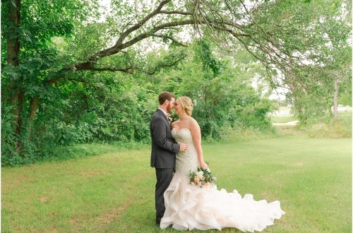 barn wedding, aubrey wedding, large wedding, summer wedding, rose gold, dfw wedding photographer, flower mound wedding photographer
