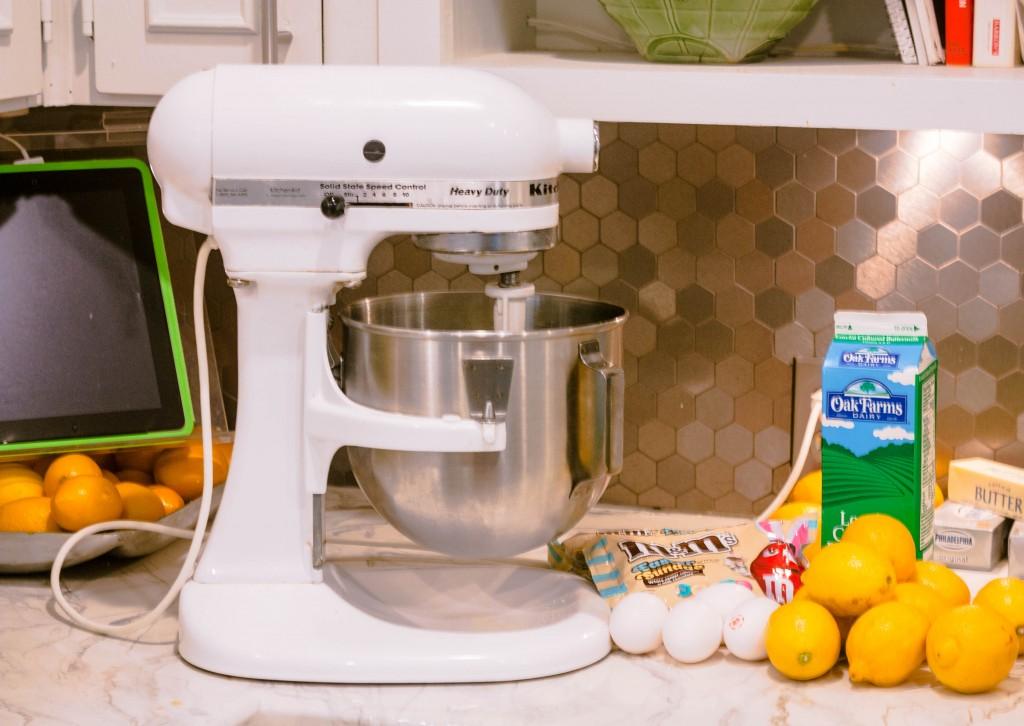 m&ms-easter-sundae-lemon-mini-muffins-recipe-2