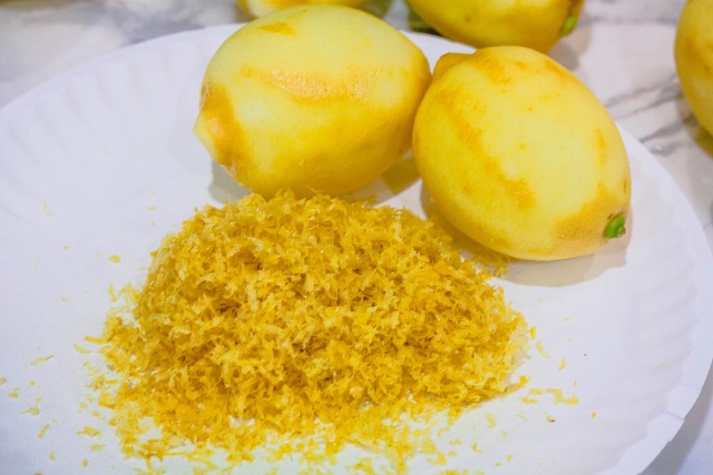 m&ms-easter-sundae-lemon-mini-muffins-recipe-6