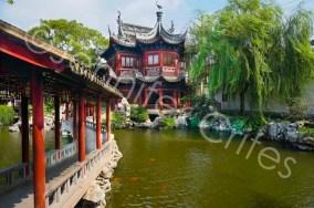 Yu Gardens bridge, pavilion and lake.