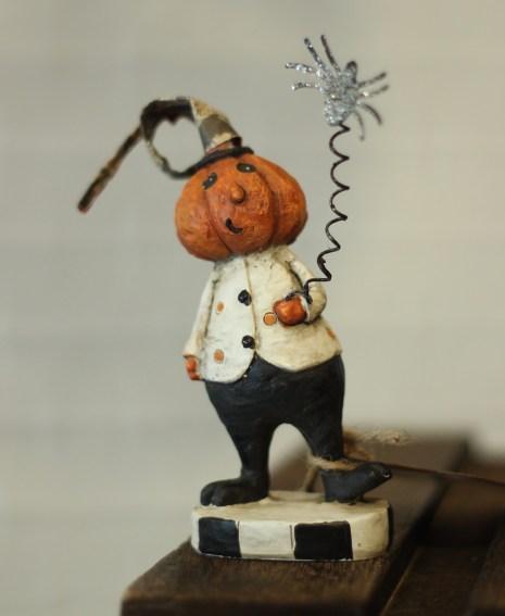 Halloween Decorating Ideas from Jennifer Decorates.com