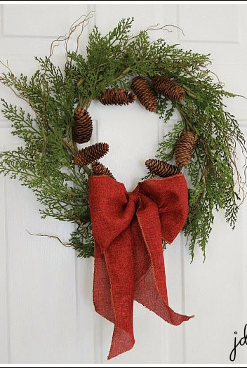 Easy Christmas decorating ideas from Jennifer Decorates.com