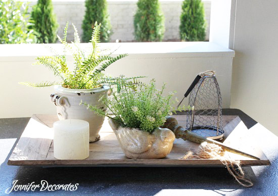 Accessorizing An Outdoor Coffee Table