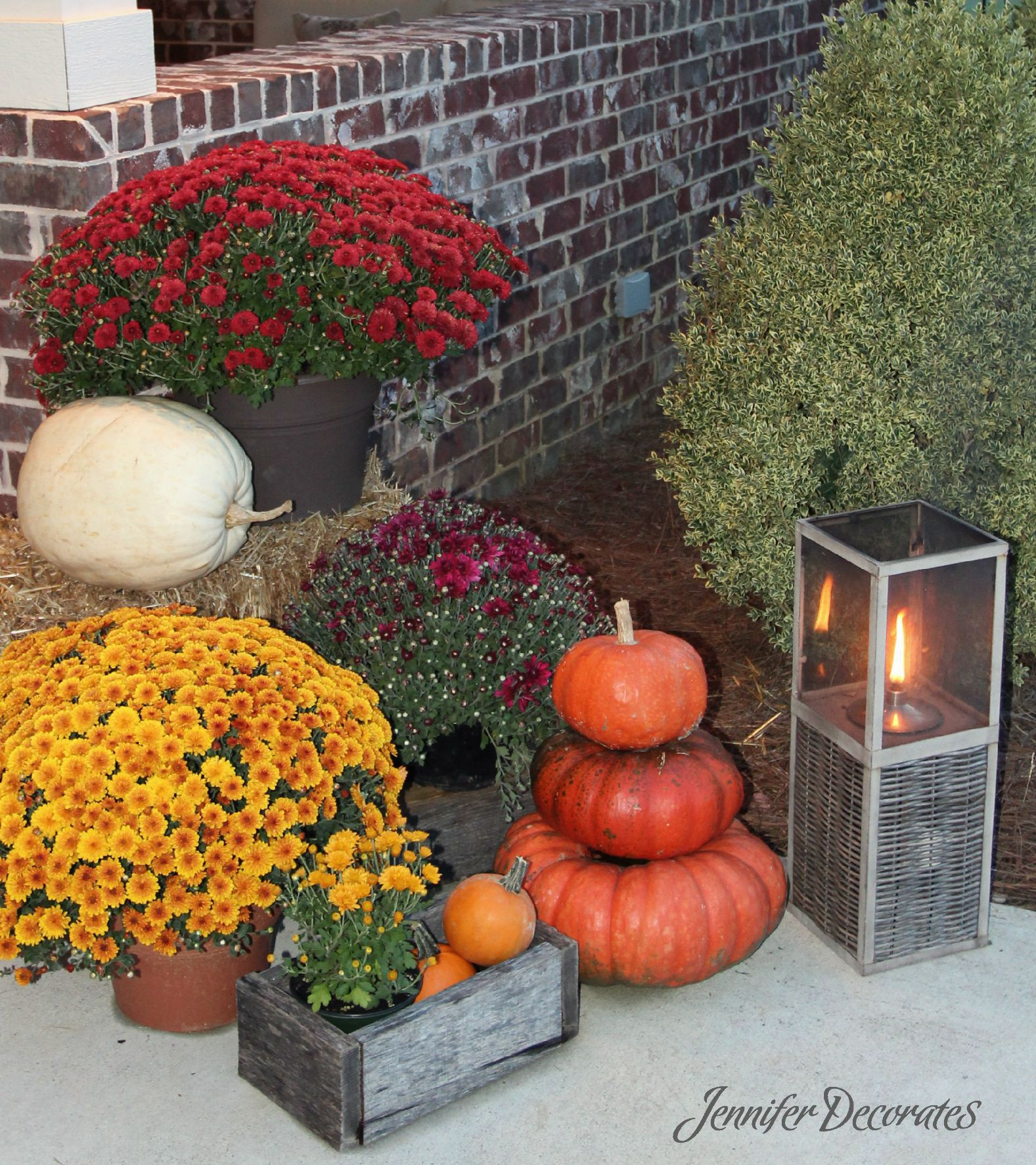 Outdoor Fall Decorating Ideas - Jennifer Decorates on Lawn Decorating Ideas id=74994