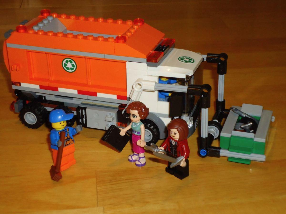 Lego Garbage Guy