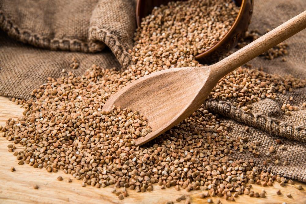 raw-uncooked-buckwheat