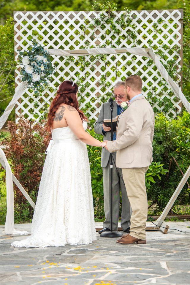 Summer wedding at Peach Barn