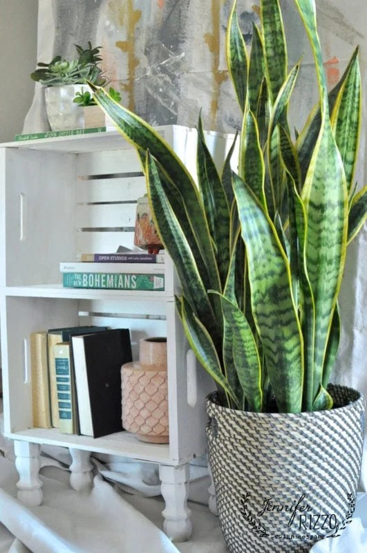 diy crate side table for easy storage