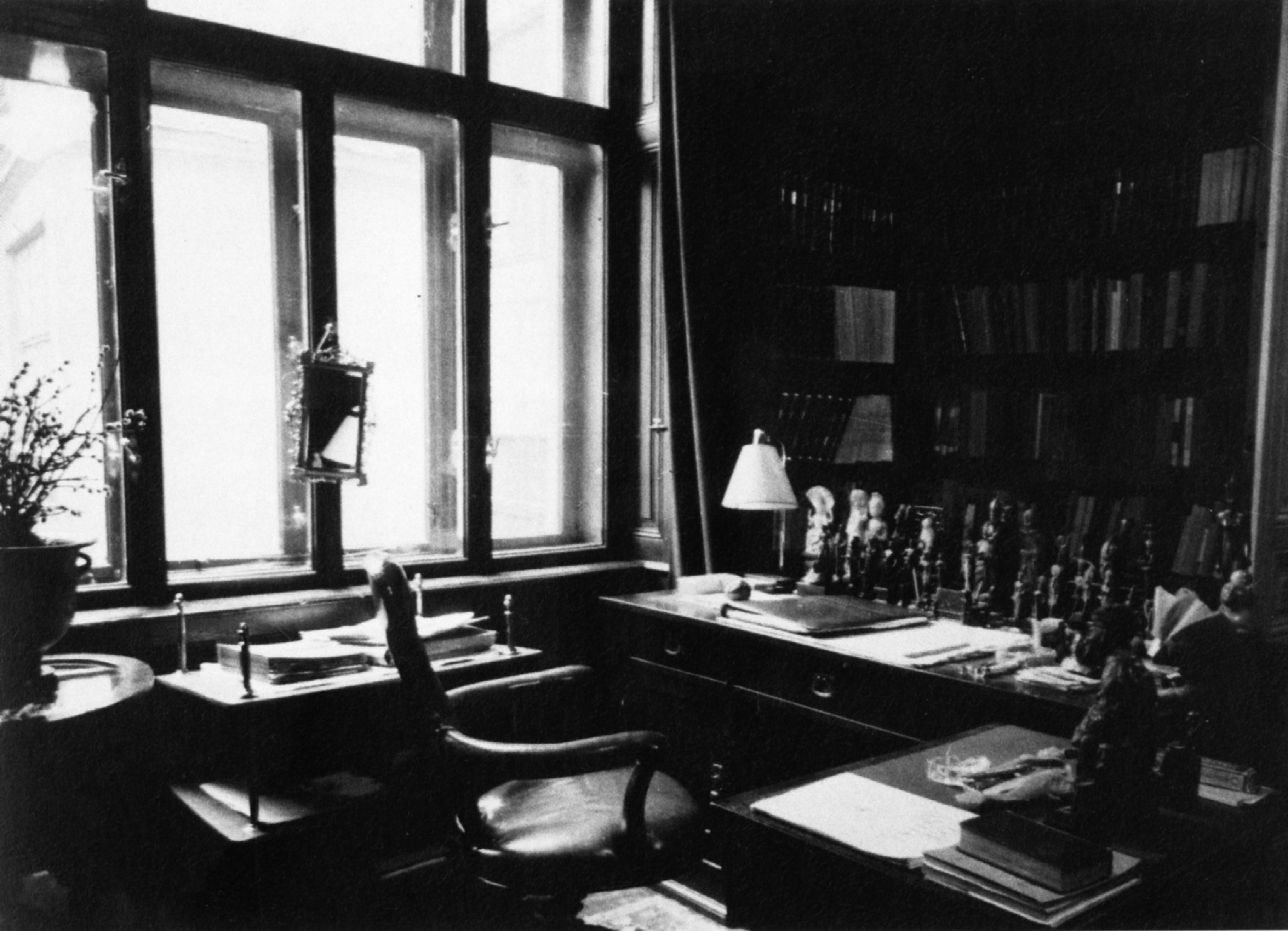 Sigmund Freud  Jennifer Stob
