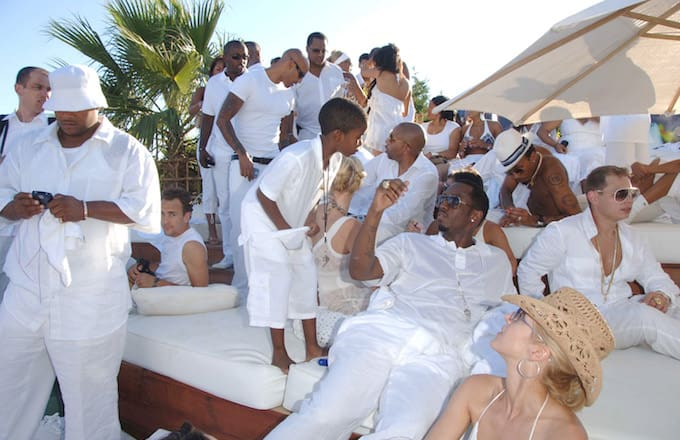 Diddy_holds_his_2006_white_party_in_Saint-Tropez_France._dlkkfd