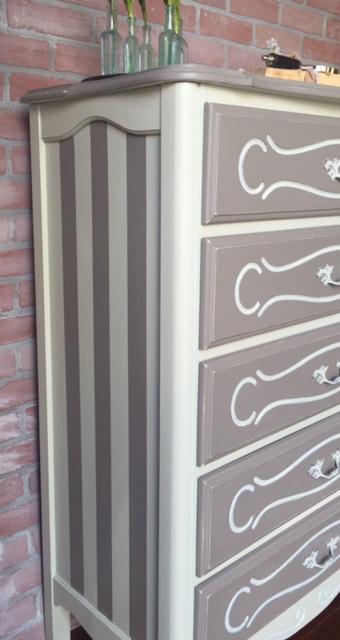 Alana painted dresser