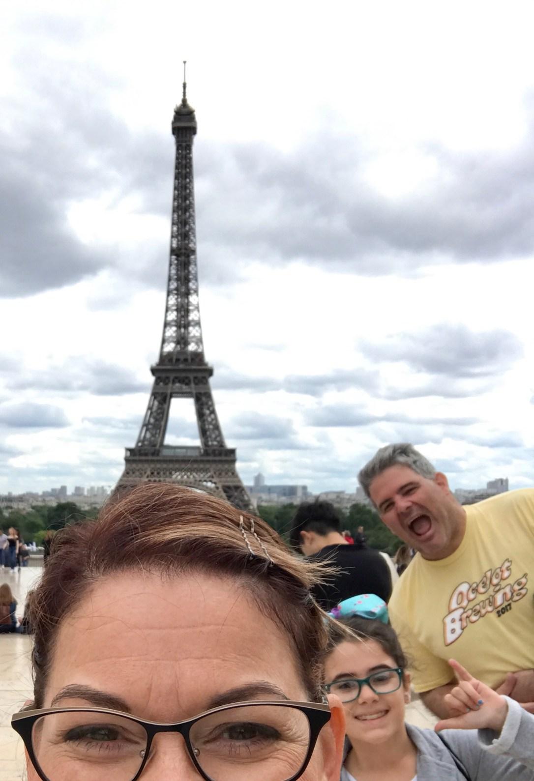 famiy eiffel tower