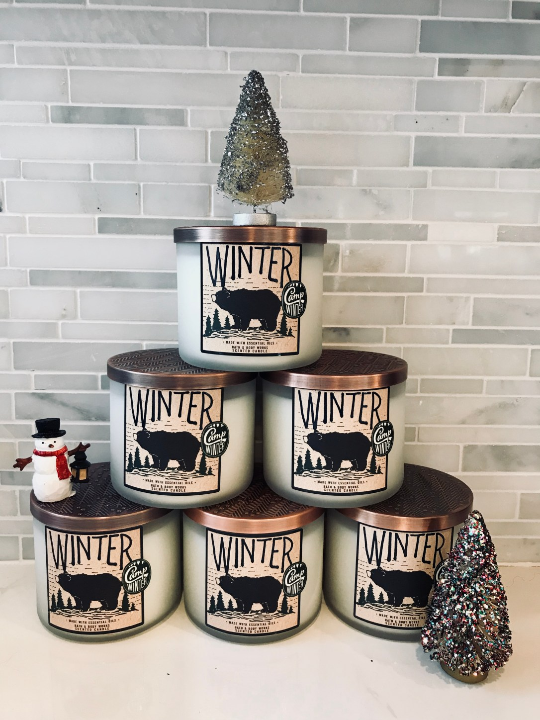 winter candle pyramid