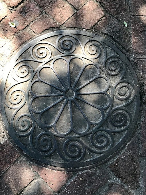 charleston manhole cover