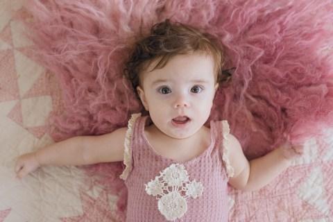 6 month,annika,girl,grinnell baby photographer,hansen,natural light,sitter,studio,