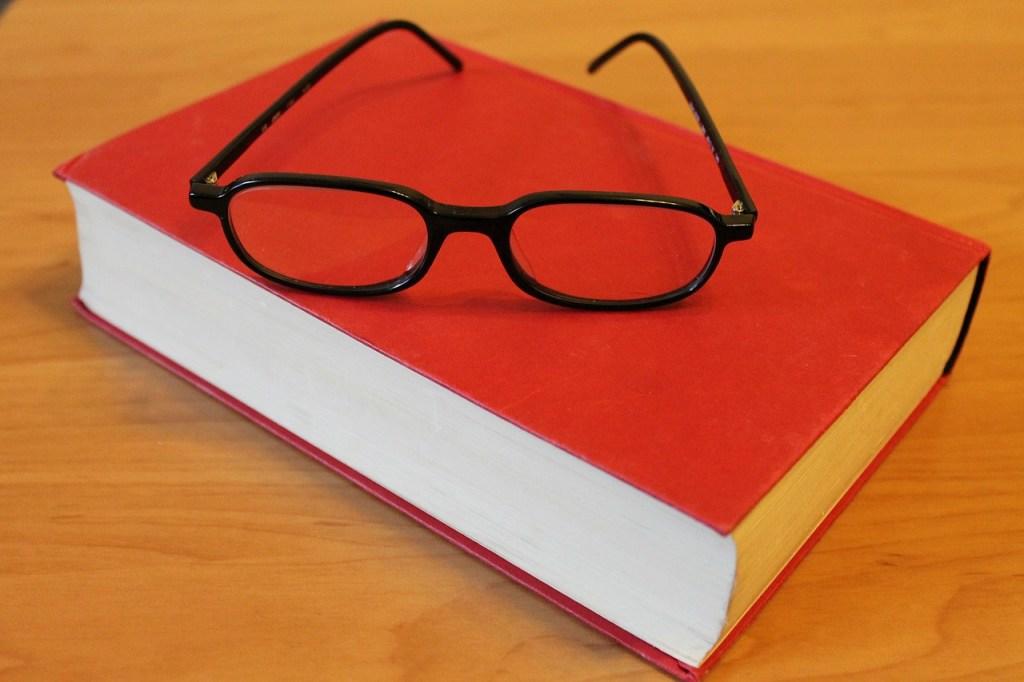 book-272691_1280
