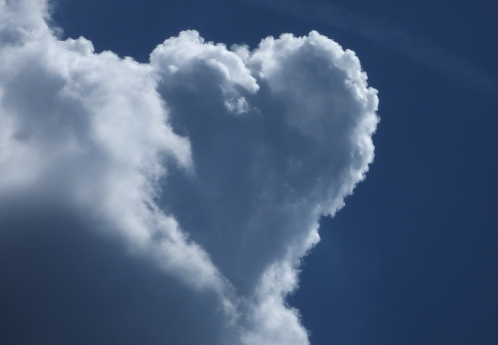 heart shaped cloud small life