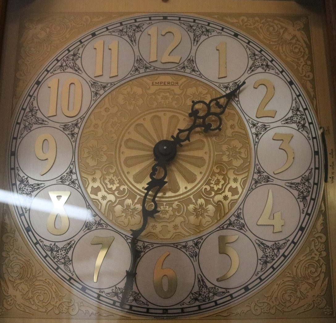 Crystal Pit of Time - Clock