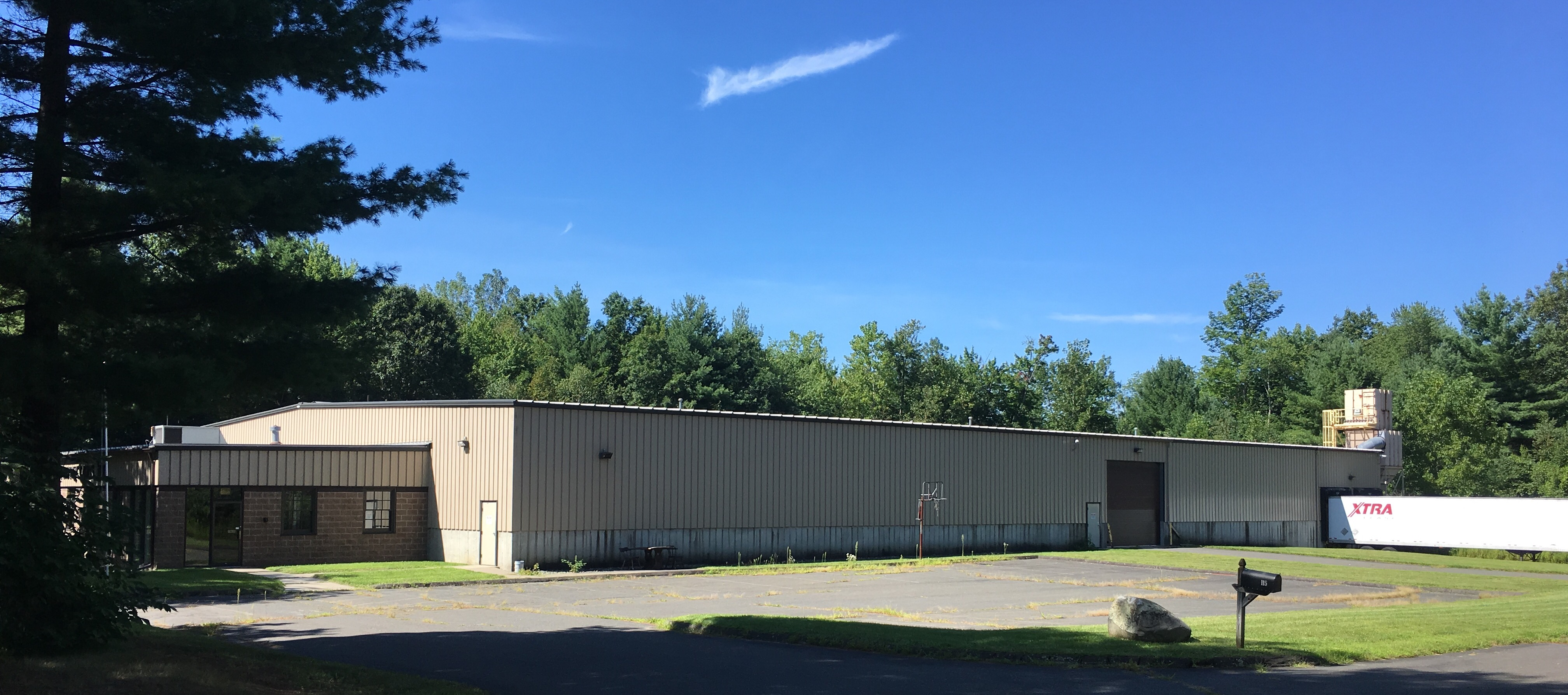 For sale lease modern 26 400 sf industrial facility for Industrial modern homes for sale