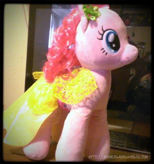 Pinkie Pie And Rainbow Dash Build A Bear
