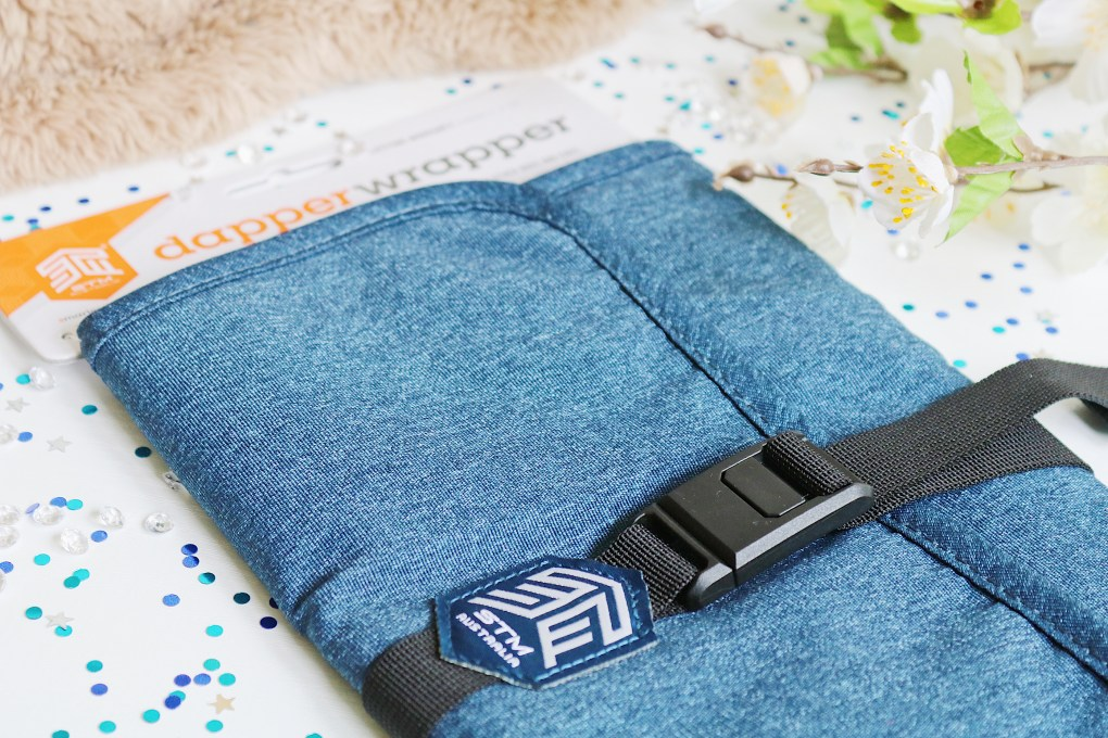 Father's Day Gift Guide: STM Dapper Wrapper Canvas Gadget Organiser in Blue