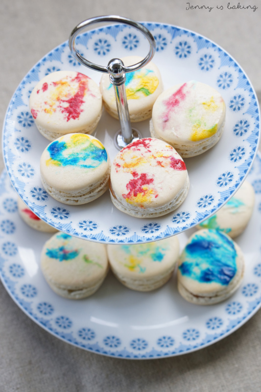 How to host a macaron baking party
