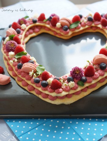 letter cake heart-shape