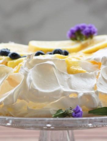 pavlova with lemon curd