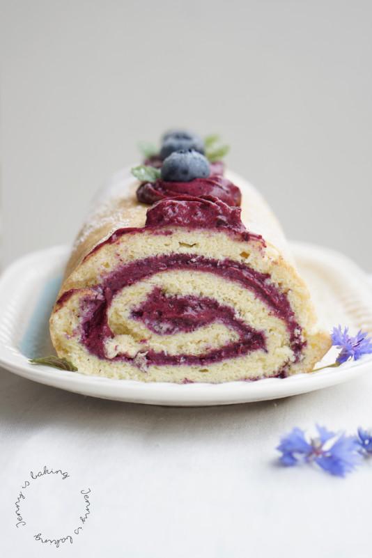 blueberry sponge roll