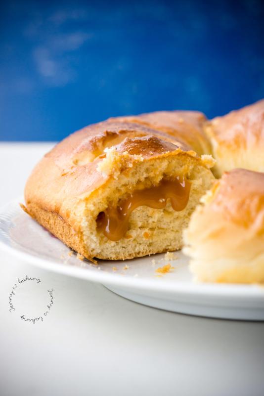 Roscónes: Süßes Hefebrot aus Kolumbien mit Karamellcreme
