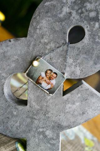 weddingPhotoNecklace